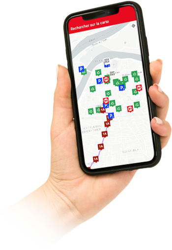image d'une main qui tient un téléphone avec le plan interactif dessus
