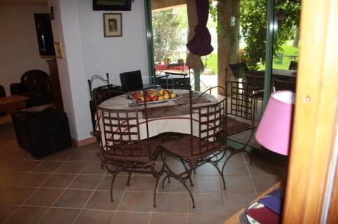 louer une chambre de sa maison airbnb permet de mettre en. Black Bedroom Furniture Sets. Home Design Ideas